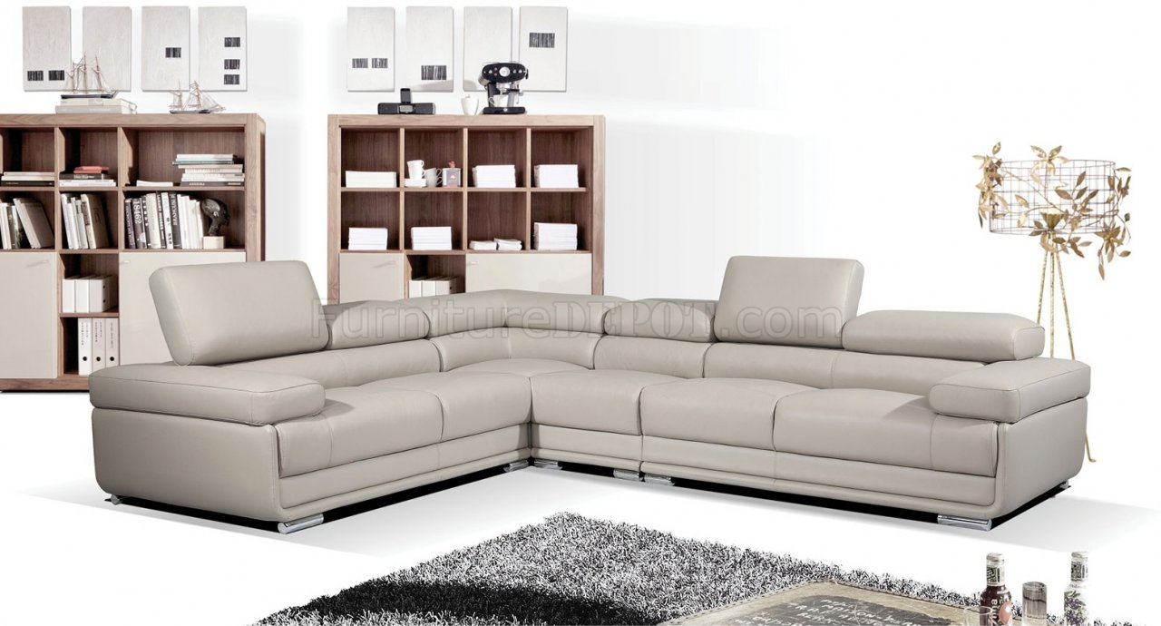2119 sectional sofa in light grey leather by esf for Light gray leather sofa