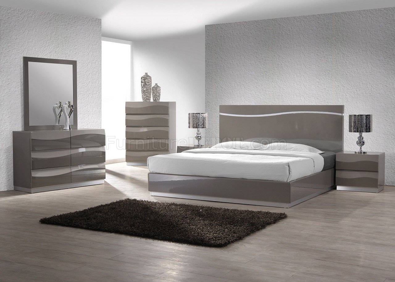 Delhi 5pc Bedroom Set In Gloss Grey By Chintaly W Options