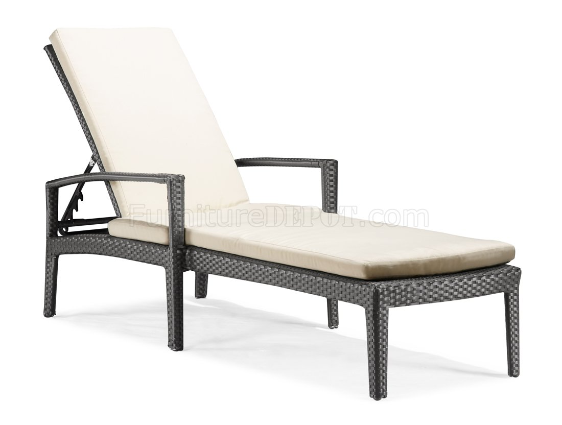 Black white modern outdoor bathing lounge chair for Modern lounge furniture