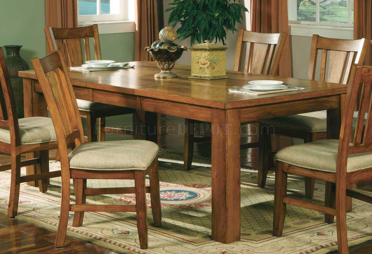 Oak Finish Casual Dining Room Table w/Optional Chairs