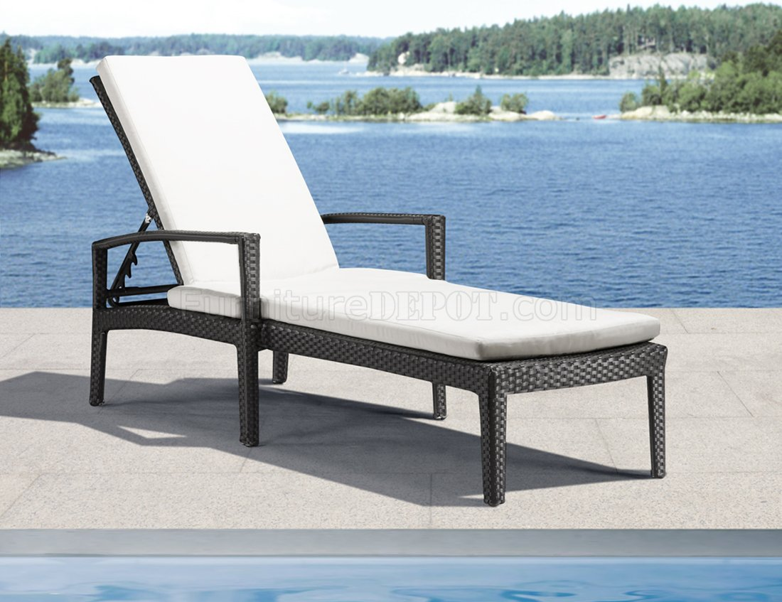 6 Lounging Chairs For Outdoors Black White Modern Outdoor Bathing Lounge Chair ZOUT Phuket 701137