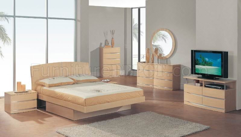 Maple finish elegant modern bedroom w optional casegoods - Contemporary maple bedroom furniture ...