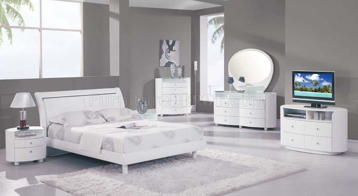 Emily Bedroom Set In White High Gloss Finish By Global