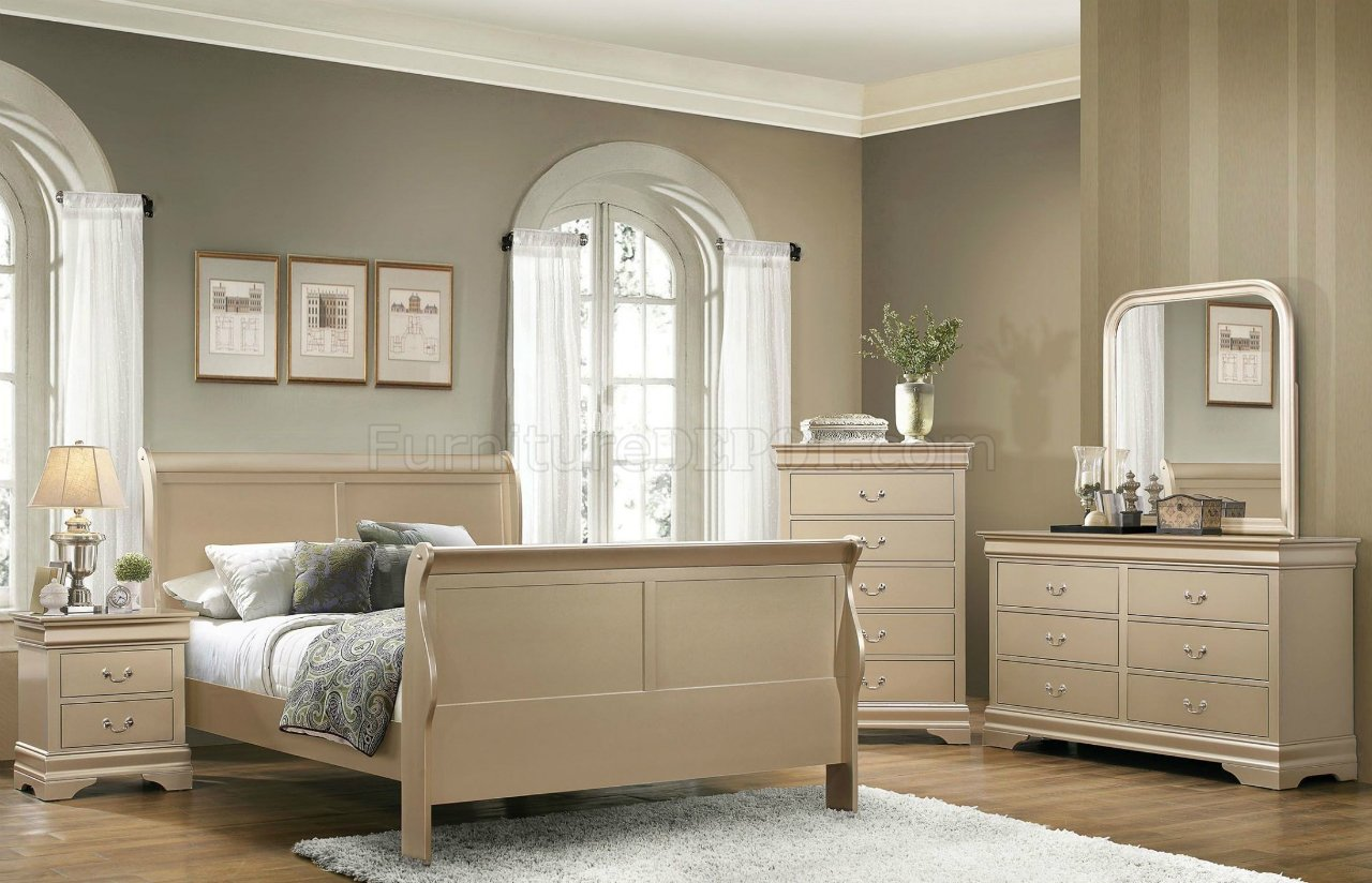 Louis Philippe Bedroom Set 204421 Metallic Champagne By
