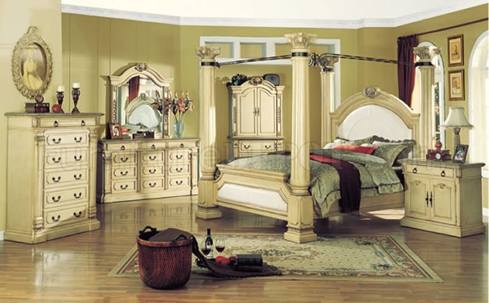Traditional Style Bedroom with Antique White Finish