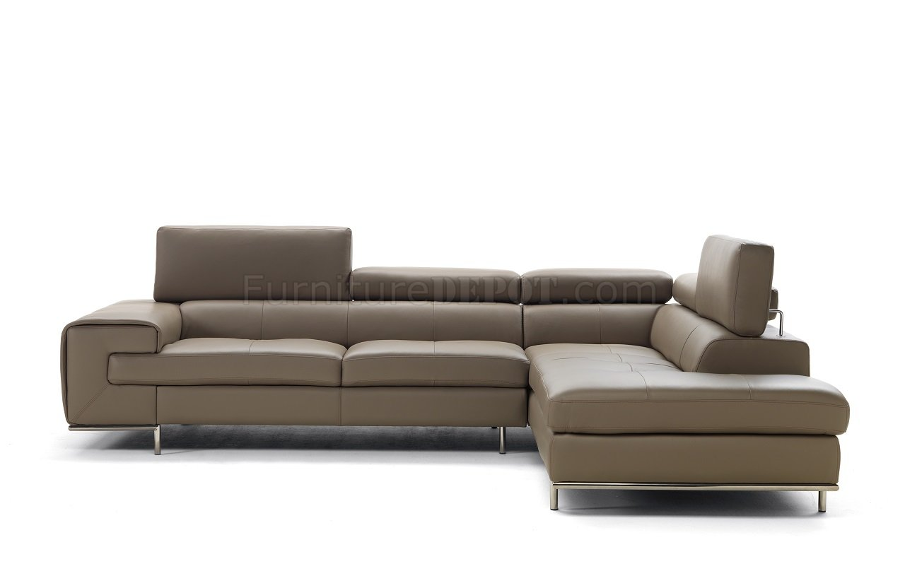 Magnolia 7634 sectional sofa in genuine italian leather by idp for Genuine italian leather sectional sofa