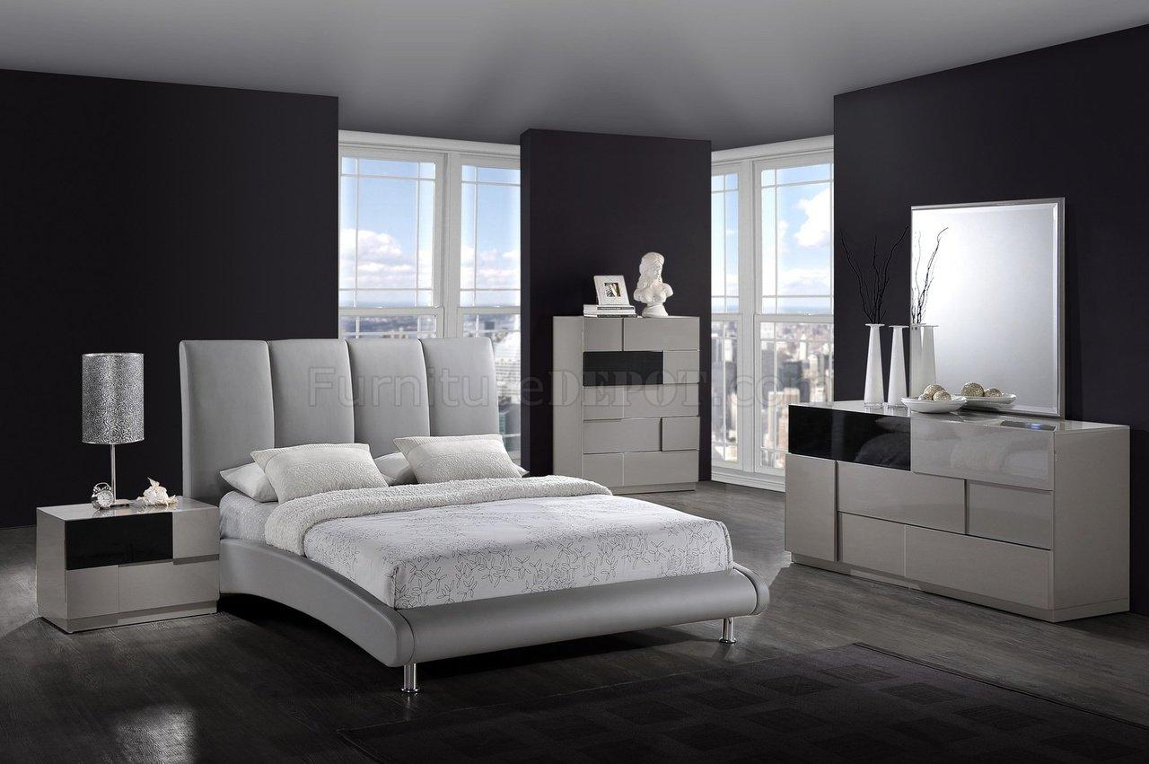 Modern bedroom 8272 grey bed optional bianca casegoods - Wandspiegel groay modern ...
