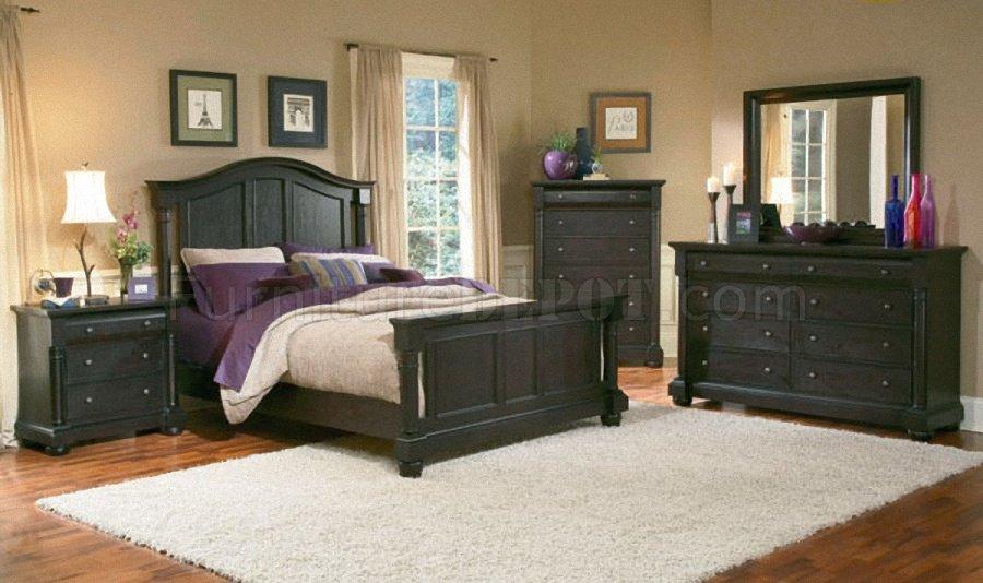 Dark Mocha Finish Classic 5Pc Queen Size Bedroom Set w/Post Bed