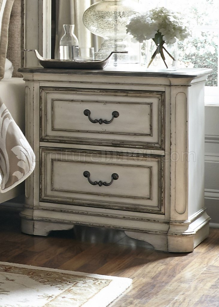 Magnolia Manor Bedroom 244 In Antique White By Liberty