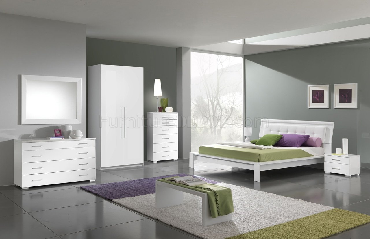 White Finish Modern Bedroom W Leatherette Headboard Amp Options