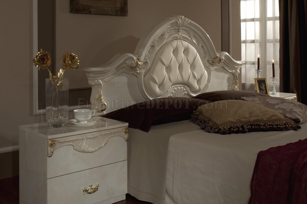 Rococo Bedroom In Beige By Vig