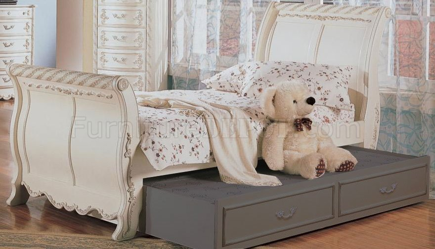 Classic Pearl White Girlu0027s Bedroom Set W/Carved Details