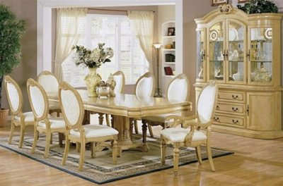 Dining Room Sets on Antique White Finish Stylish Dining Room Set With Carved Details At