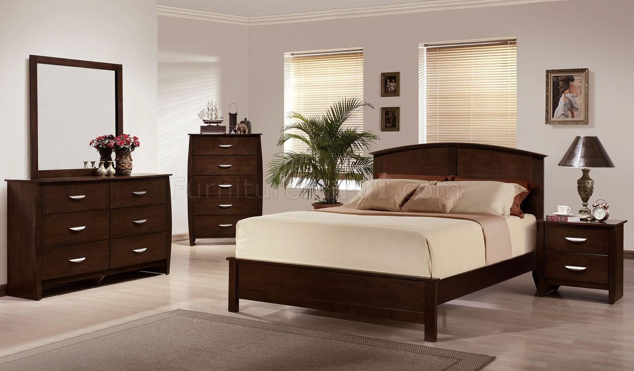 Rich Merlot Finish Contemporary Bedroom W Platform Bed