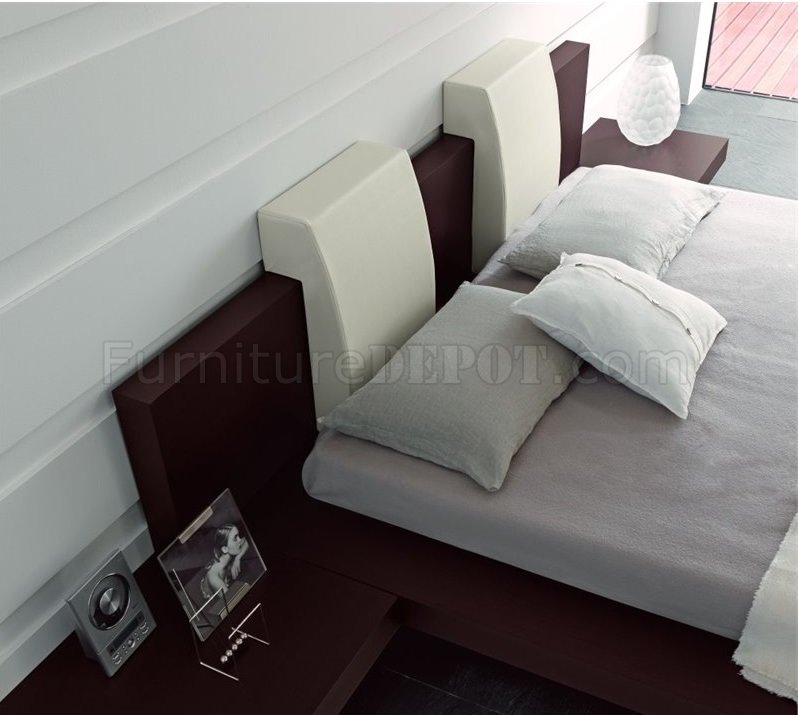 Win floating bedroom in wenge with oversized headboard - Floating chair for bedroom ...