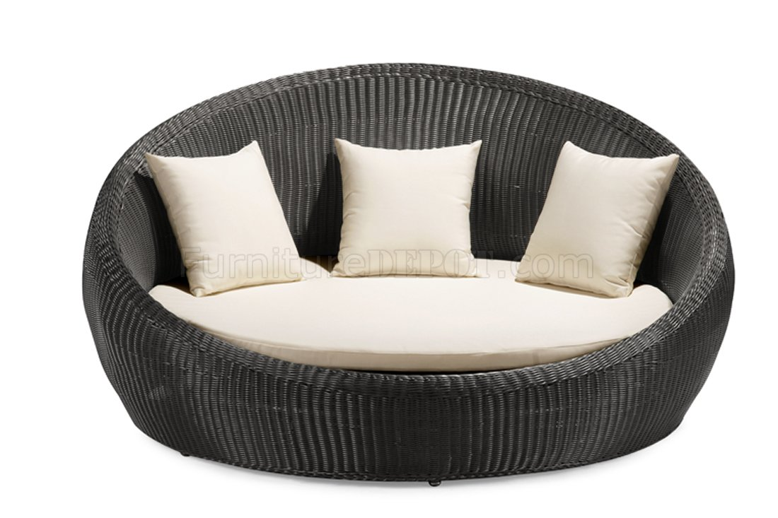 Round Outdoor Bed Black White Modern Round Shape Outdoor Bed