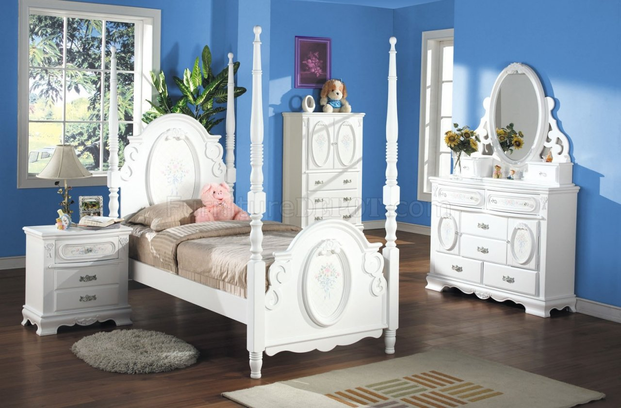 Princess Bedroom Set Flora in White by Acme