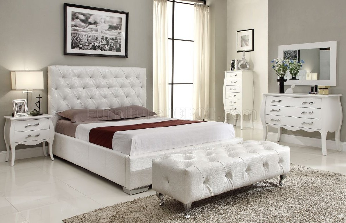 Michelle White Bedroom W/Storage Bed U0026 Optional Items