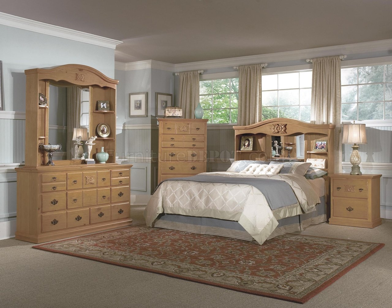 Pine all wood country style bedroom w hand carved wood accents for Country bedroom furniture