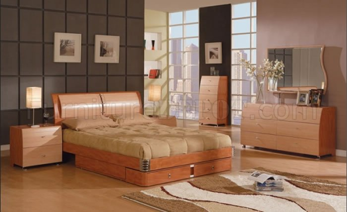 5 Piece Maple and Cherry Finish Contemporary Bedroom Set