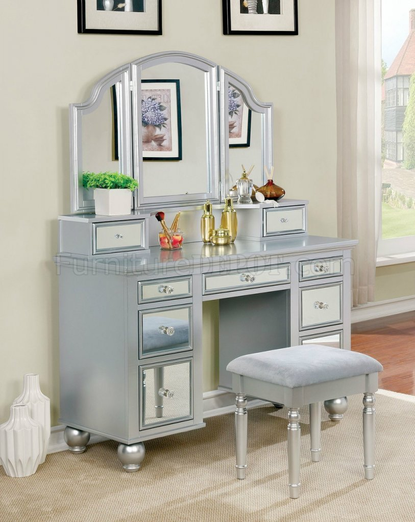 Tracy Vanity Table W Stool Cm Dk6162 In Silver Amp Mirror