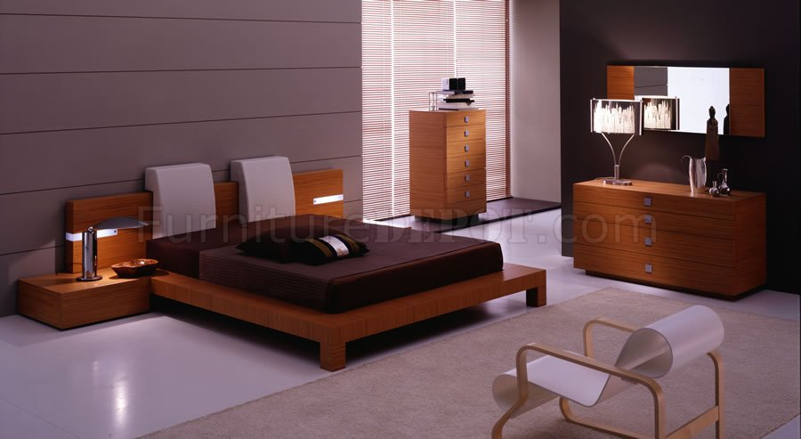 Teak Finish Contemporary Bedroom Set With Platform Bed