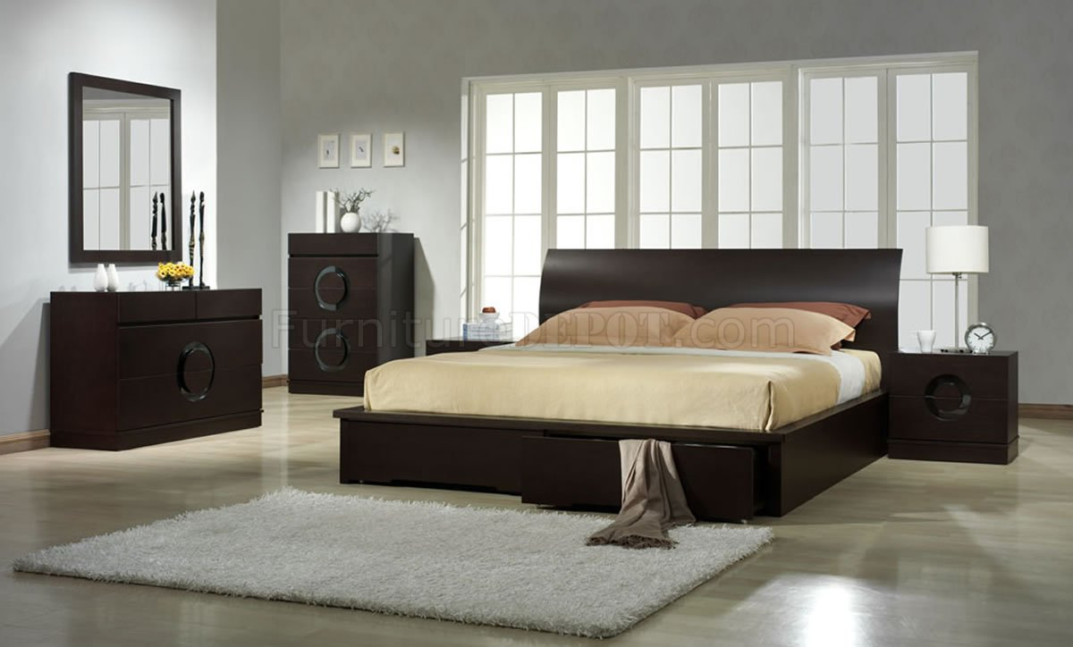 Zen bedroom by J&M Contemporary Platform Bed