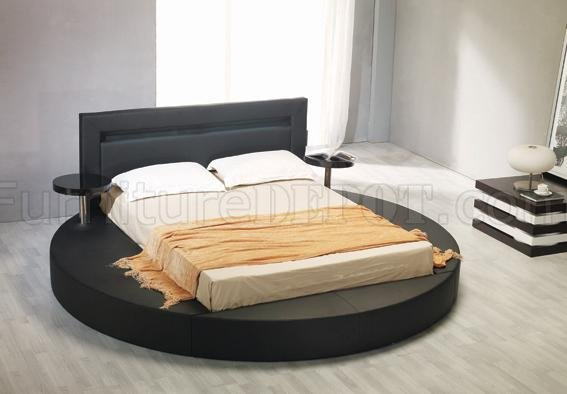 Leatherette Round Platform Bed Palazzo Black