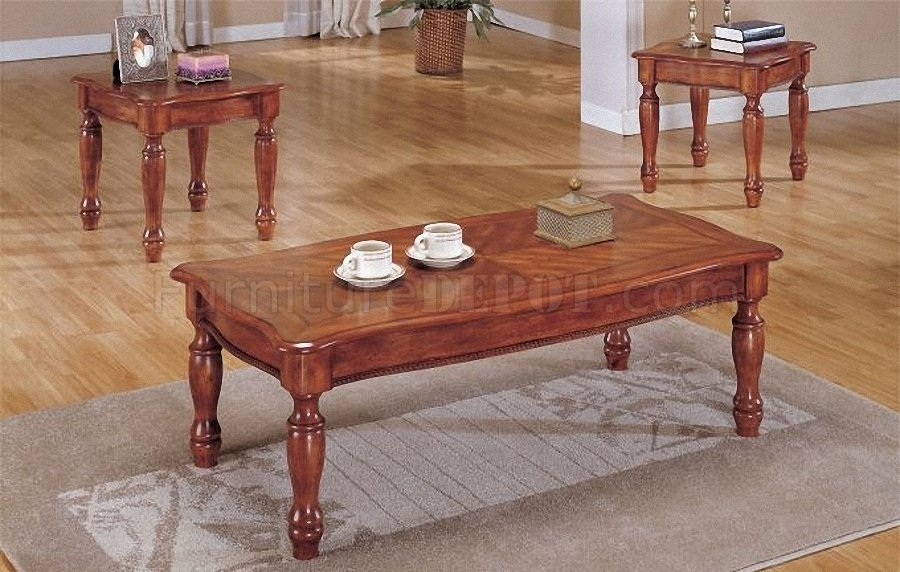 Medium Brown Finish Traditional 3pc Coffee Table Set