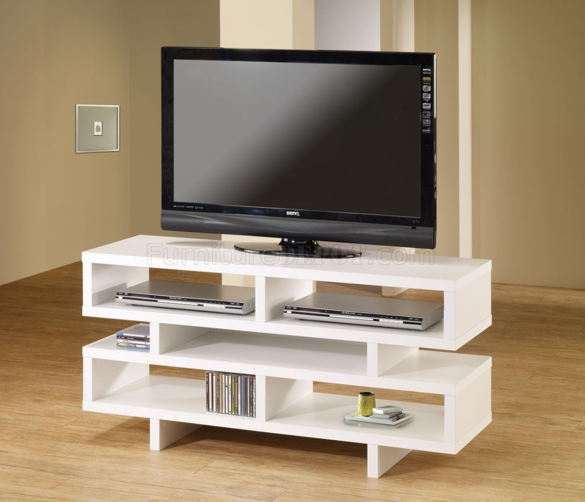 700721 tv stand in white by coaster White tv console