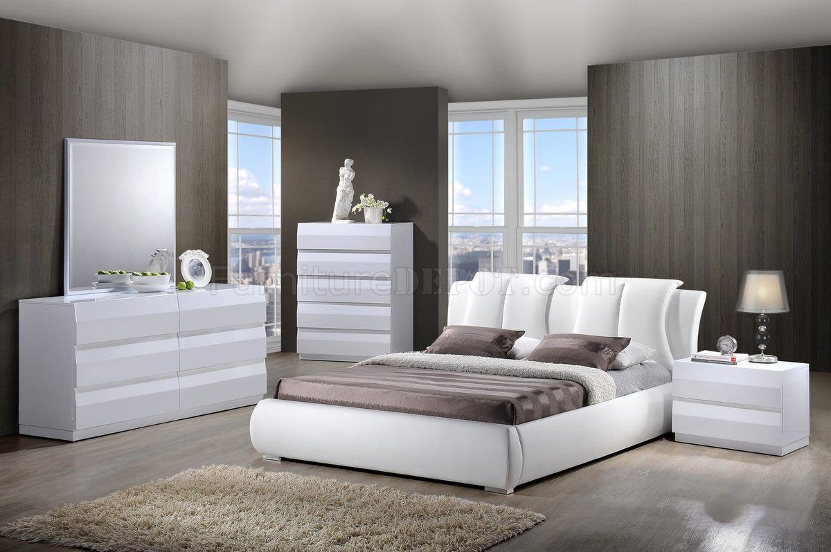 8269 Bailey Bedroom In White By Global W/Platform Bed